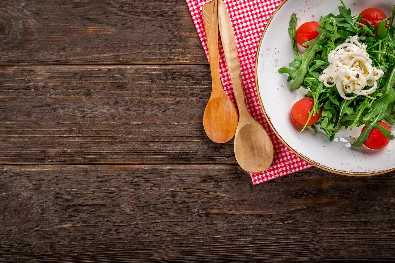 運動ができない時のダイエット方法に「糖質制限」「置き換えダイエット」は最適