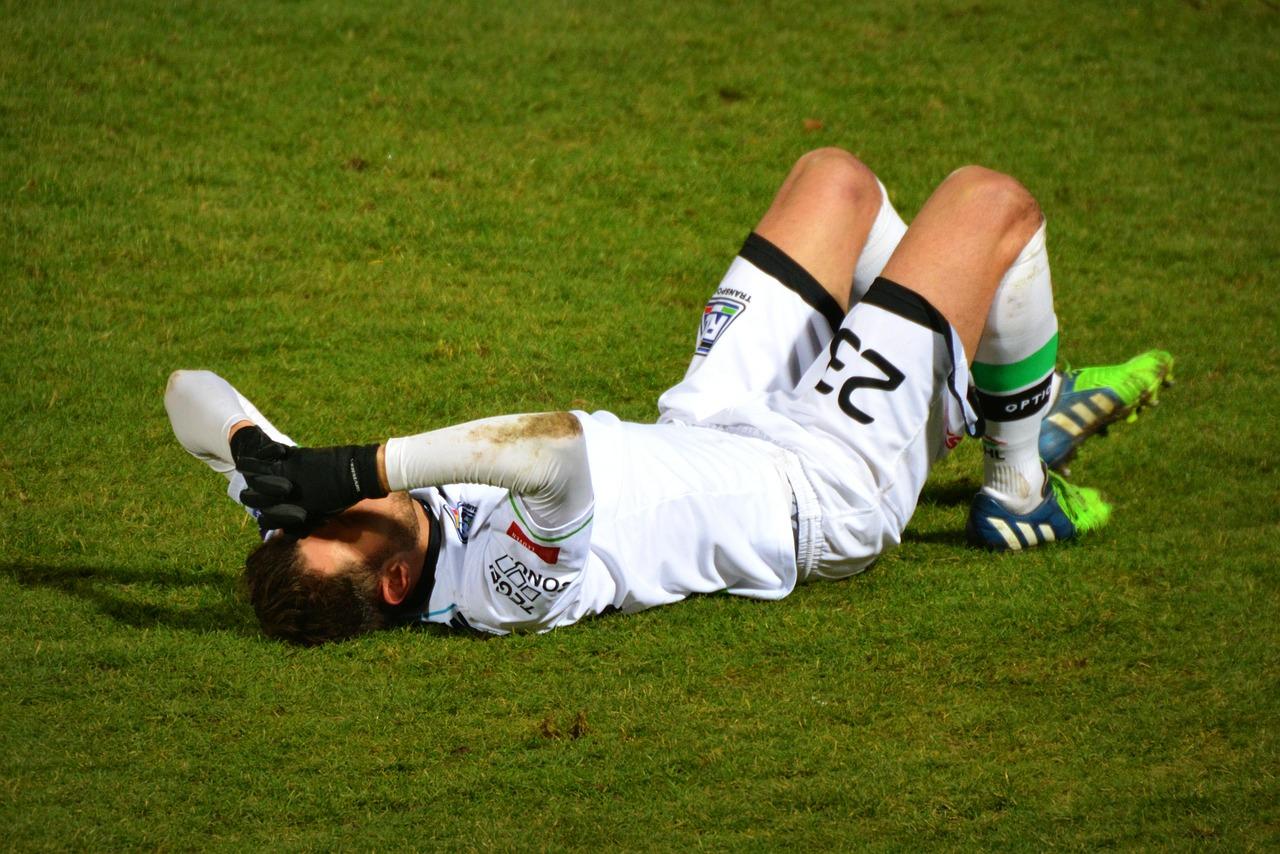 足を骨折…そんな怪我中のダイエットには腹筋運動がおすすめ!