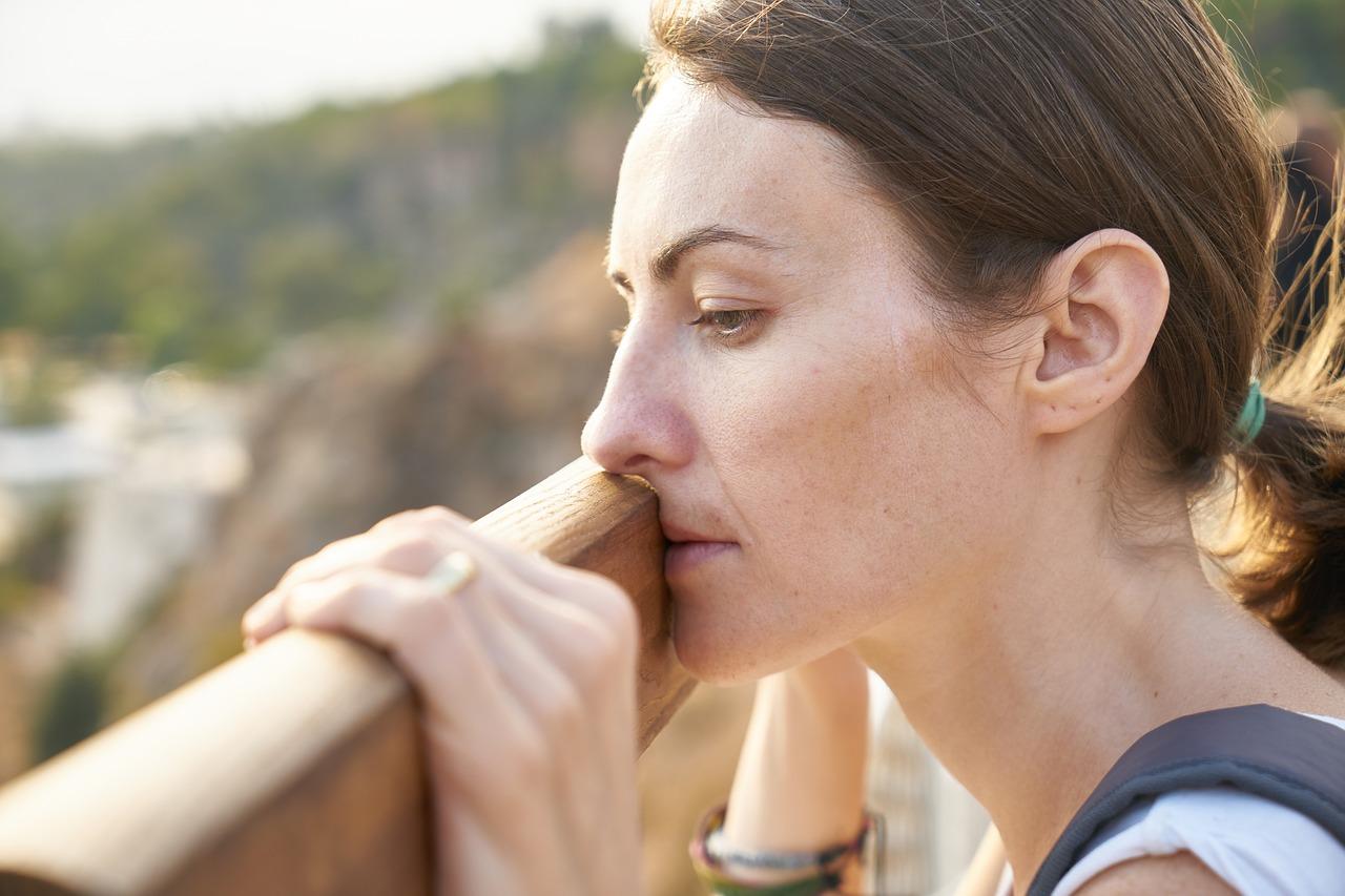 産後の顔のやつれを戻すには、やっぱり睡眠不足の解消が一番