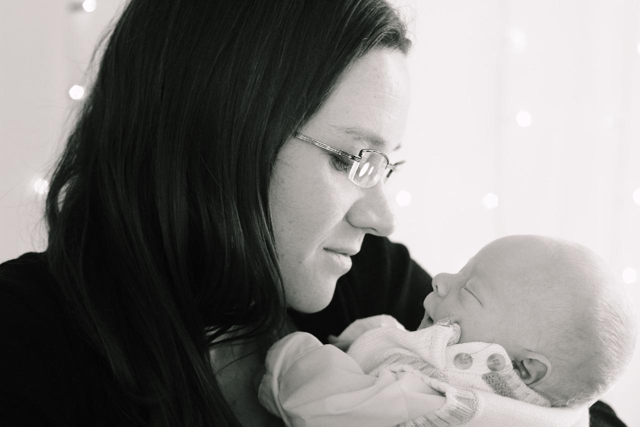 産後の抜け毛がひどい場合には、一時的なウィッグ使用がおすすめ